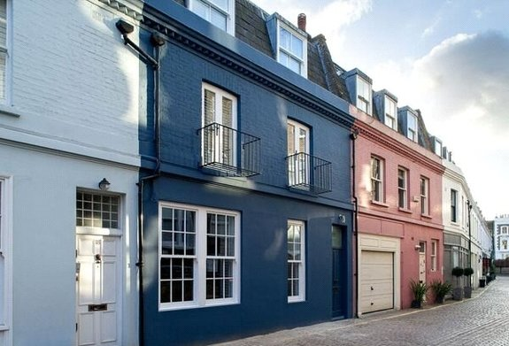 House for sale in Lexham Mews, Kensington