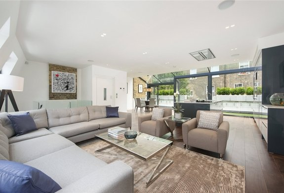 House for sale in Lexham Mews, Stratford Village