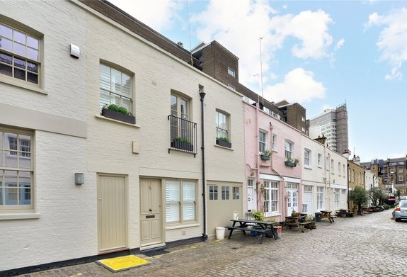 Bathurst Mews, London, W2
