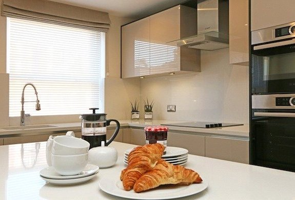 Flat to rent in Kingston House South, South Kensington