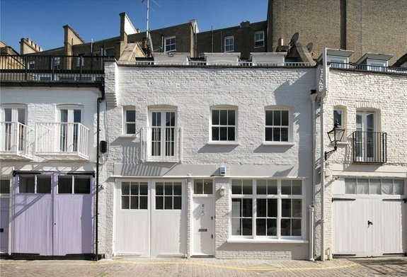 House to rent in Manson Mews, South Kensington